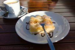 Hausgemachter Butterkuchen in der Stranddistel in Neuendorf auf Hiddensee