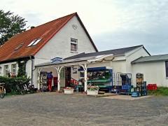 Der Frischemarkt Gau in Neuendorf auf Hiddensee