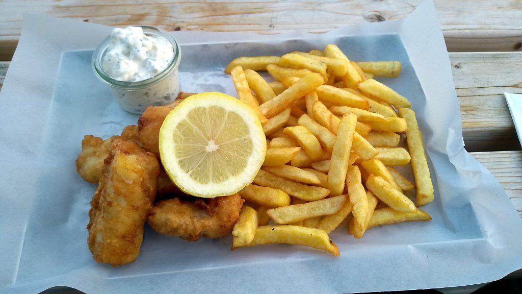 Leckerer Backfisch im Restaurant Hafenkater in Vitte