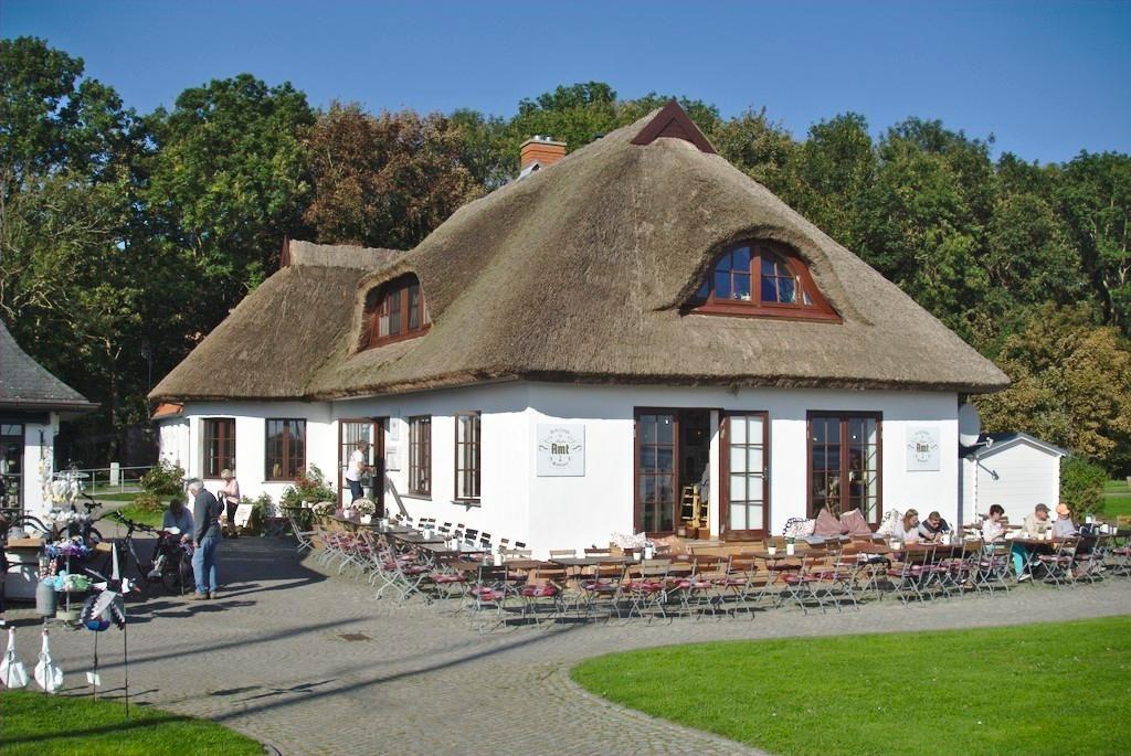 Schillings Hafenamt in Kloster auf Hiddensee