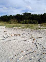 Stein-Labyrinth am Strand von Neuendorf auf Hiddensee